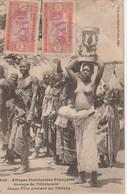 Afrique Occidentale Française Senegal  Groupe De Féticheurs Jeune Fille Portant Un Fétiche 858LA - Sénégal