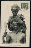 """Cote Des Somalis - Cachet Maritime Marseille A La Réunion N° 4 Du 5 Avril 1906, Sur CPA """"Djibouti Coiffure D'un Somalis. - Storia Postale"""