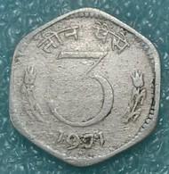 """India 3 Paise, 1971 Mintmark """"*"""" - Hyderabad -1266 - Inde"""