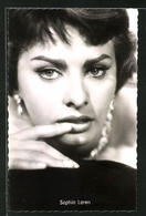 AK Schauspielerin Sophia Loren Mit Ernsten Blick In Einer Filmszene - Acteurs