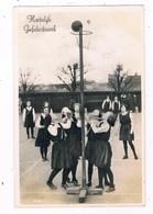 SPORT-72  Girls Playing KORFBALL - Sonstige