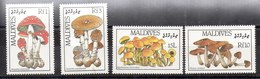 Serie De Maldivas N ºYvert 1106/09 ** SETAS (MUSHROOMS) - Maldivas (...-1965)