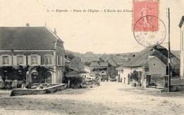 Esprels  70   La Place De L'Eglise -Fontaine Avec Lavandières Et Rue Animée - France