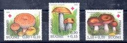 Serie De Finlandia Nº Yvert 828/30 ** SETAS (MUSHROOMS) - Finlandia