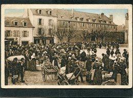 CPA - QUIMPER - La Place St Mathieu - La Caserne - Le Marché Aux Pommes De Terre, Très Animé - Quimper