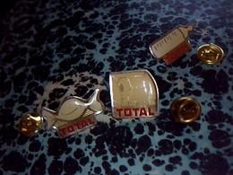 3 Pin' S Publicitaire  En Metal    Avec Fermoir Ancien Logo Total   Bonnon  Biberon PQ - Fuels