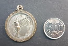 Lebanon 1985 Beautiful Vollyball Tournament Medal - SAINTE FAMILLE FRANCAISE FANAR - Otros