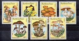 Serie De BurKina Faso Nº Yvert 676/81 ** SETAS (MUSHROOMS) - Burkina Faso (1984-...)