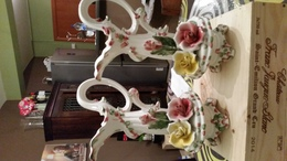 2 Capodimonte Porseleinen Handgeschilderde Waterkruiken Met 3 Rozen - Capodimonte (ITA)