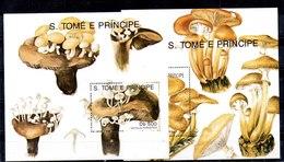 Hojas Bloque De Sato Tomé Y Principe Nº Yvert 107/08 ** SETAS (MUSHROOMS) - Sao Tomé Y Príncipe