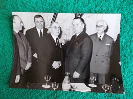 PHOTO ORIGINALE.VINTAGE..ANCIENS COMBATTANTS.UNION DES MEDAILLESNON SITUE.1965. - 1939-45