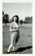 Foto/Photo. Pin Up. Jeune Femme En Robe. - Pin-Ups