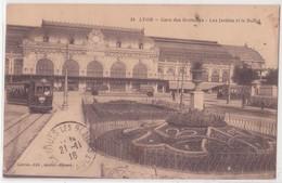 CPA - 24. LYON - Gare Des Brotteaux - Les Jardins Et Le Buffet - Lyon 1