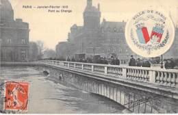 PARIS  - INONDATIONS ( Crue ) 1910 - Pont Au Change - CPA Avec Armoiries De La Ville De Paris - Seine - Alluvioni Del 1910