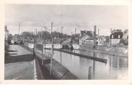 02 - CHAUNY : L'Ecluse Du Canal De Saint Quentin - CPSM Photo Noir Blanc Format CPA - Aisne - Chauny