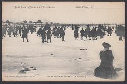 CPA Saint Pierre Et Miquelon,  Sur La Glace En Hiver - Le Patinage - Saint-Pierre-et-Miquelon