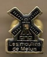 Pin's Les Moulins De Melun (77) 13 Rue Du Château - Cities