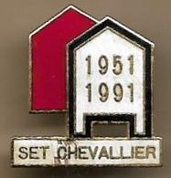 Pin's Set Chevallier 1951-1991 Villefranche-sur-Saône (69) Société Des Entrepôts Et Transports - Cities