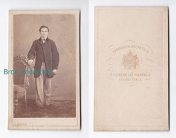Photo Cdv D'un Jeune Homme, Fotografia Helvetica, C. Braud, Buenos Aires, Album Seguin, Circa 1875 - Photos