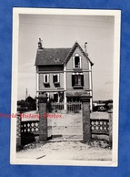 Photo Ancienne Snapshot - SARTROUVILLE ? - Belle Maison à Situer - 1938 - Architecture Auto Automobile House Pavillon - Automobiles