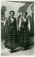 Cpsm Costumes Lituaniens - Pavillon Etats Baltes - Exposition Internationale Paris 1937 - Lituanie