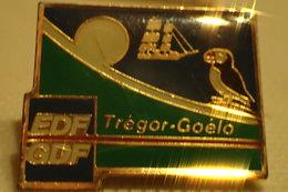 Pin's EDF GDF Tregor Goélo - EDF GDF