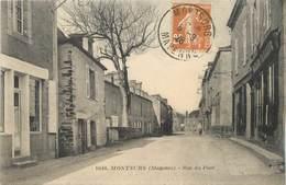 "/ CPA FRANCE 53 ""Montsurs, Rue Du Pont"" - France"
