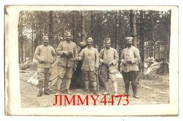CPA -  GROUPE DE SOLDATS EN CAMPAGNE En 1917 ( Carte écrite En 1917 Voir Dos ) - Scans Recto-Verso - Guerre 1914-18