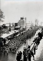 ! 02, Foto, Photo, Laon, 1. Weltkrieg, Guerre 1914-1918, Französische Kriegsgefangene, Prisonniers De Guerre, POW - Laon