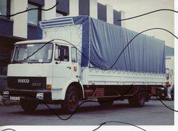 PHOTO COULEUR. CAMION,REMORQUE IVECO UNIC  . - Automobiles