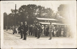 Photo Cp Koblenz In Rheinland Pfalz, Franz. Offiziere, Salut, Straßenpartie - Allemagne