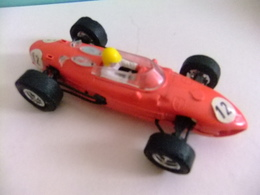 SCALEXTRIC Triang FERRARI 156 Rojo N 12 Guia Movil - Circuitos Automóviles