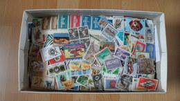1 Kilo - Welt / Papierfrei - Stamps