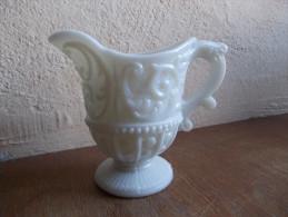 - Ancien Pot à Crème En Opaline Blanche - - Verre & Cristal