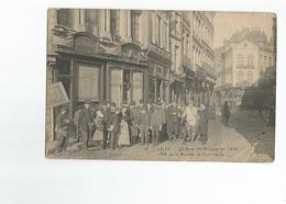 59 Lille La Rue Des Suaires En 1906 Cote De La Bourse De Commerce Super Animation Carte Rare Pharmacie - Lille