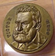 Médaille Uniface De Victor Hugo En Bronze - Professionnels / De Société