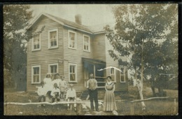 Ref 1304 - Real Photo Postcard - Family Outside House In Catskill Mountains New York State USA - Catskills