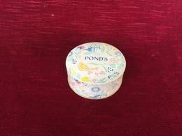 Ancienne Boite à Poudre Parfumerie Pond's, - Beauty Products