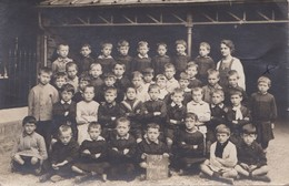 CARTE PHOTO  NANGIS ECOLE DE GARÇONS EN 1919 UNE CLASSE - Nangis