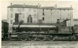 190619A - PHOTO Train Chemin De Fer Locomotive - Loco 715 - Bahnhöfe Mit Zügen