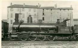 190619A - PHOTO Train Chemin De Fer Locomotive - Loco 715 - Gares - Avec Trains