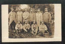 Carte Photo Soldats Du 61ème Régiment  D'Infanterie - Non Circulée - Divise