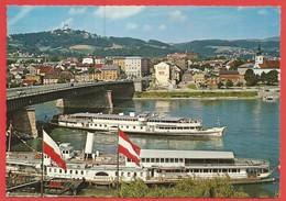 Linz , Donau, DDSG-Anlegestell Mit Pöstlingberg - Linz
