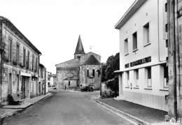 JARNAC-CHAMPAGNE - La Poste Et L'Eglise - Altri Comuni