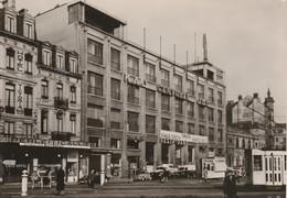 Bruxelles,Centrale Jociste(Tram,Tramway,friture,baraque à Frite,publicité Bière Perle 28 Caulier ,Pale-Ale Whitbread - Bruxelles-ville