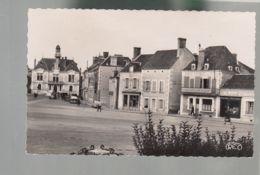 CP (36) Vatan -  Place De La République - Francia
