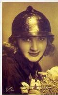 L'elmetto Dei Reduci Della Guerra E La Camicia Nera Del Neonato Partito Fascista - Italia 1923 - Riproduzione Da Origina - Cartoline