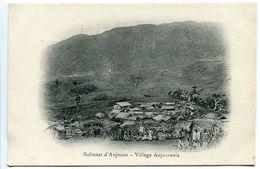 CPA Nuage Comores - Sultanat D'Anjouan Village Anjouanais -  Excellent état - Comores