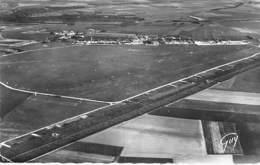 91 - ETAMPES ( GUILLERVAL MONDESIR ) L'AERODROME Airport Flughafen- CPSM Dentelée N/B Format CPA 1953 - Essonne - Aérodromes
