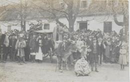 AK 0263  Gesellige Runde Vorm Gasthaus - Fasching , Ochsen-Fuhrwerk Um 1916 - Karneval - Fasching